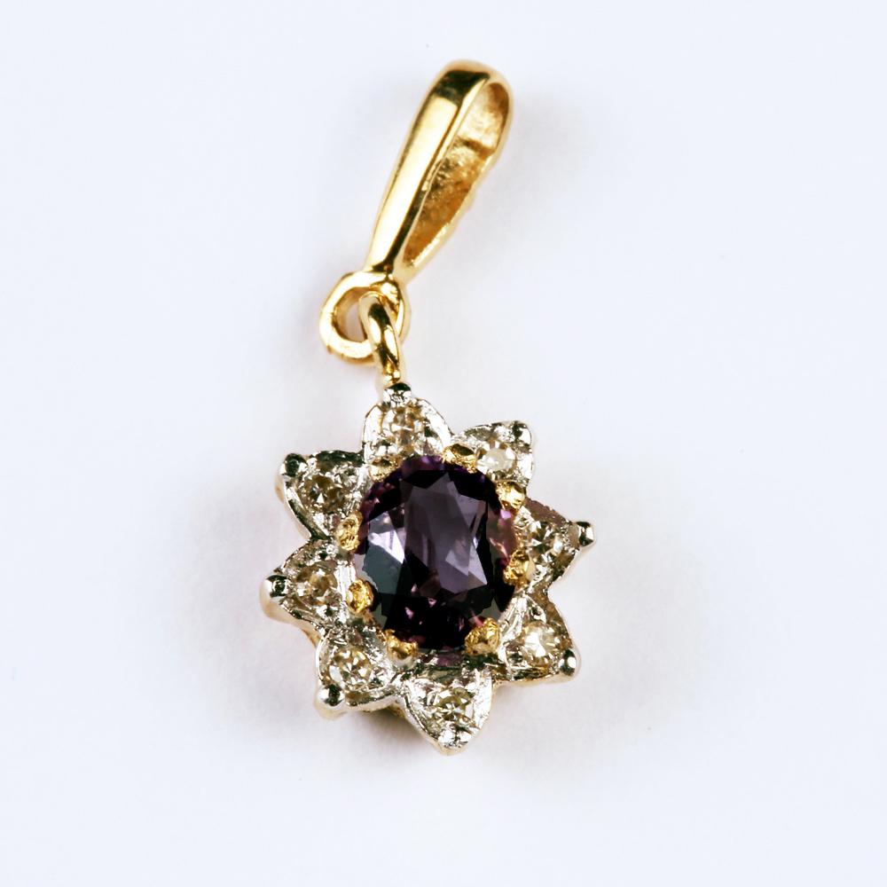 Safiiri ja teemantidega kuldripats